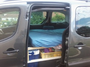 transformer une voiture en camping car